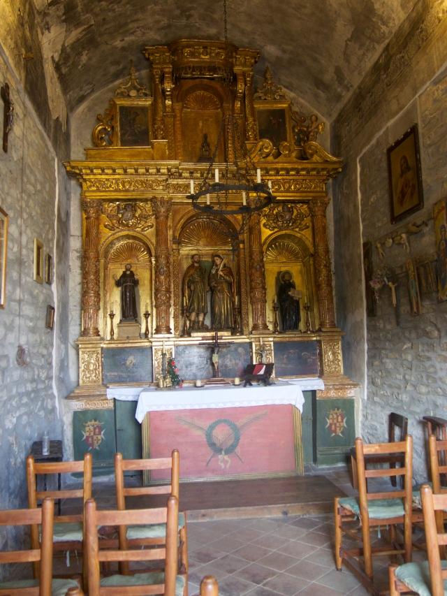 interior ermita sant cebria